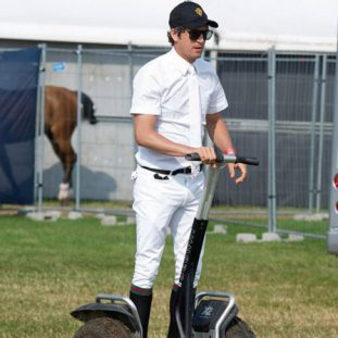 Guillaume Canet pilote son gyropode Segway