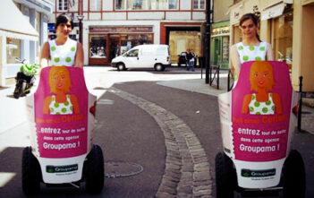 Opération street-marketing Groupama et Mobilboard à Segway