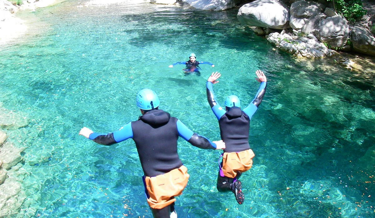 Essayer le canyoning à l'Aiguille de Bavella, en Corse