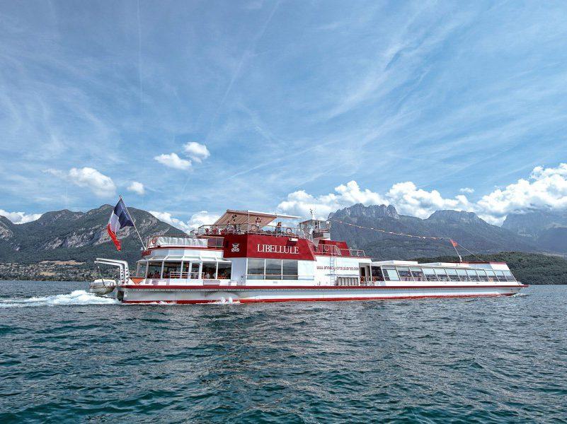 découvrir le lac d'Annecy en bateau