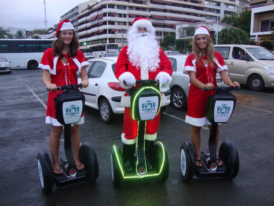 Le père Noël en Segway à Nouméa