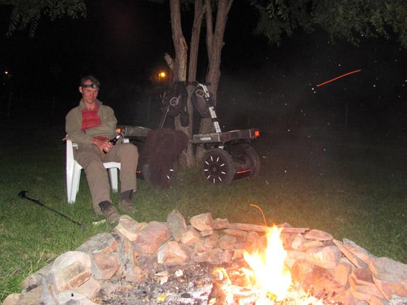 repos autour du feu pour nos travellers en gyropode