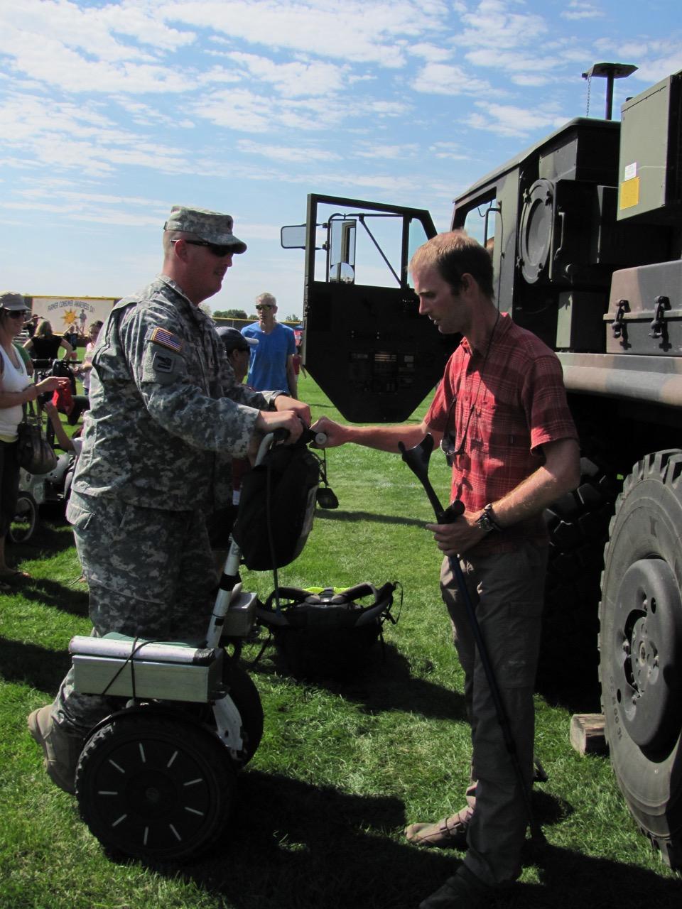 Rencontre avec des militaires gyropode Segway