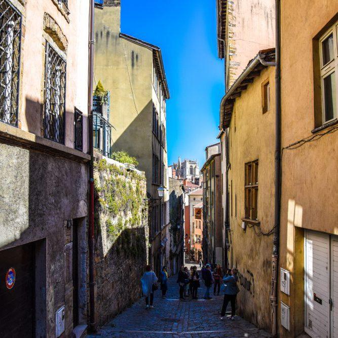 Le plaisir de visiter le Vieux-Lyon le matin