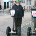 grand père à gyropode Segway la Rochelle