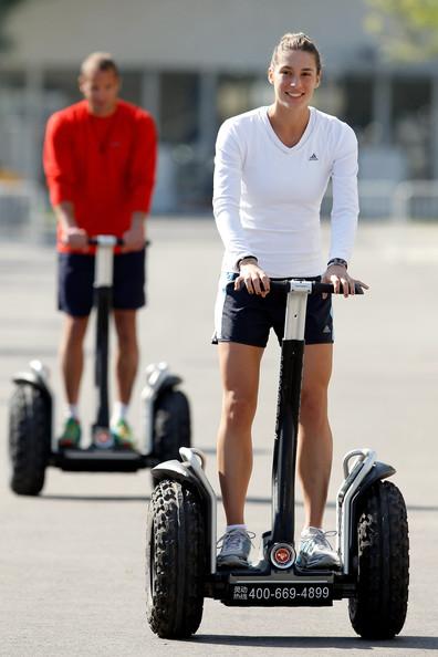 La joueuse de tennis Andrea Petkovic à gyropode Segway