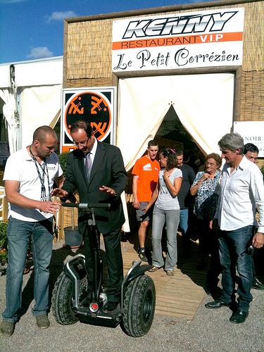 François Hollande à gyropode Segway