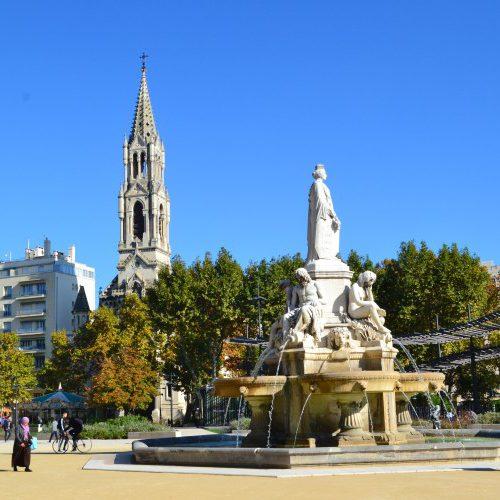 Promenade originale esplanade Nîmes