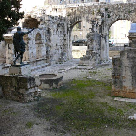Porte d'Auguste à Nîmes