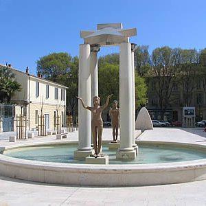 Fontaine de la place d'Assas à Nîmes