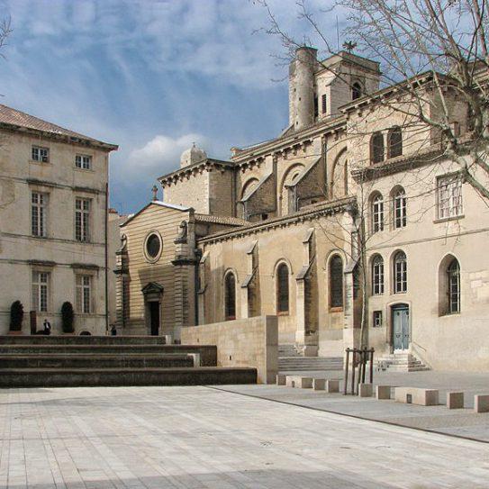 Découvrir les lieux insolites de Nîmes