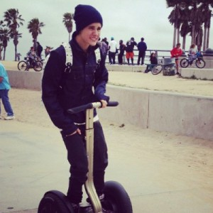 Justin Bieber se balade à gyropode segway