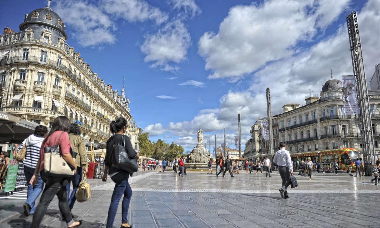 Visiter montpellier les 10 incontournables mobilboard - Piscine place de l europe montpellier ...