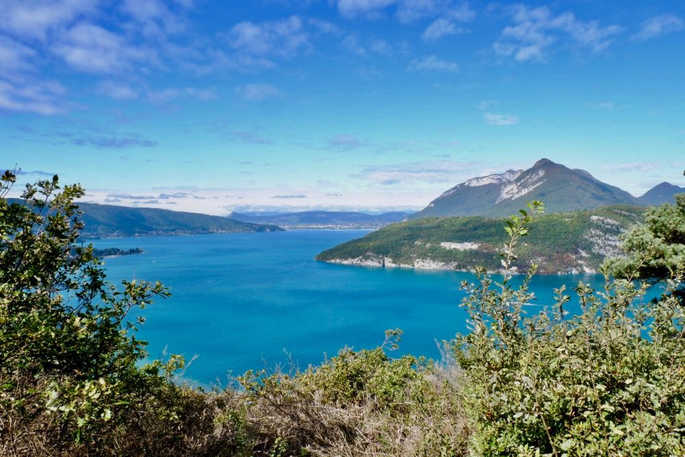 Visiter le lac d'Annecy : balade Mobilboard