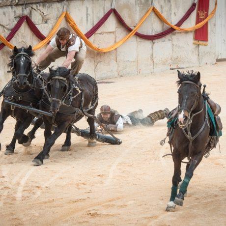 Grands jeux romains Nimes : arènes chevaux