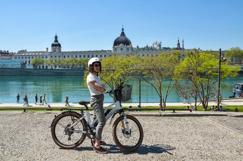 Guide lors de votre visite guidée de lyon en vélo électrique