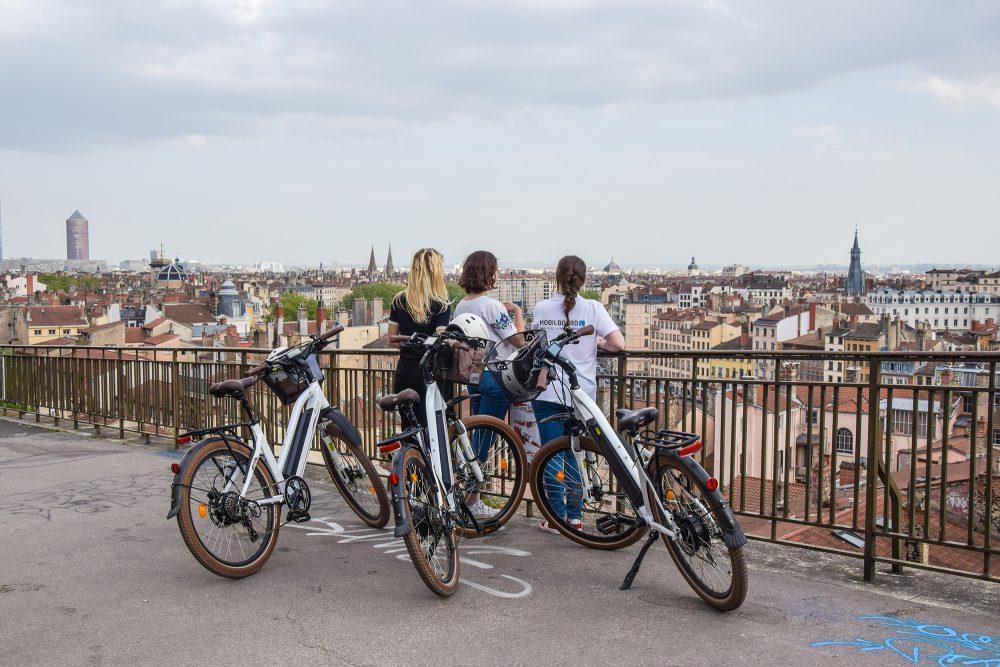 Vue panoramique sur Lyon lors d'une visite guidée à vélo électrique