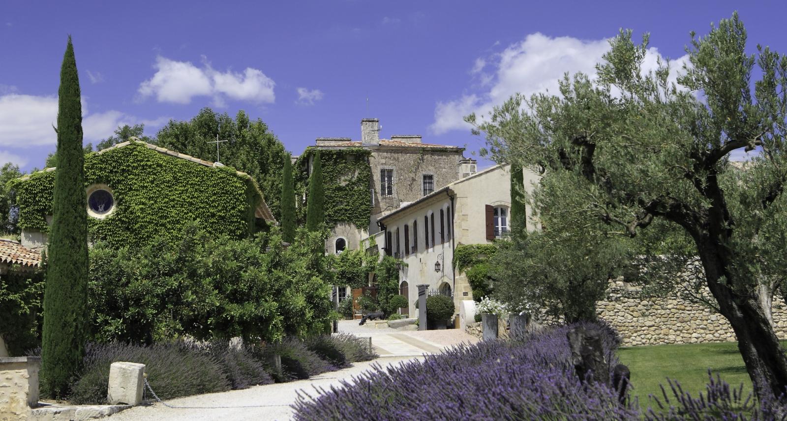 Vue sur le Château de l'Estoublon