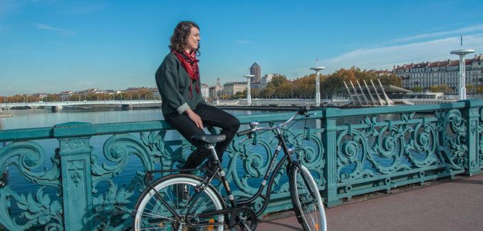 Visiter Lyon en vélo vintage Peugeot