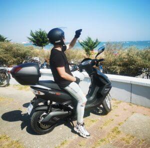 visiter la rochelle scooter